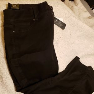 NWT NY&Co Black Jeggings